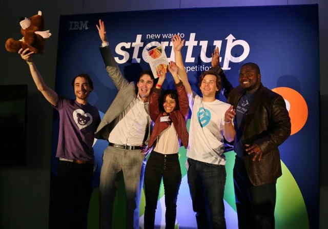 Lauren alongside the other five finalists at the New Way to Startup event.
