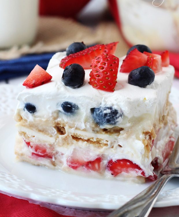 Strawberry-and-Blueberry-Cheesecake-Icebox-Cake