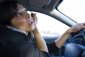 scary-drivers-500-distracted-driver-makeup-phonewtmk